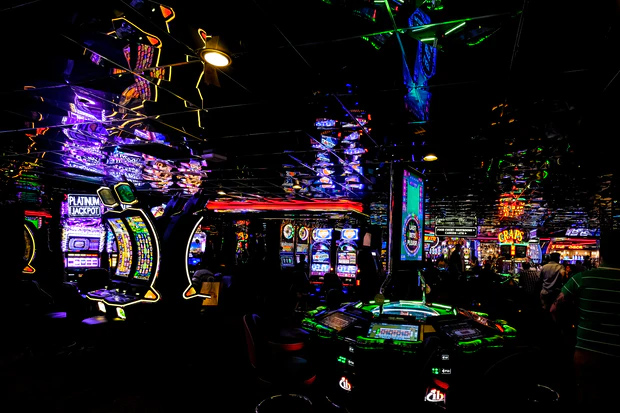 feature image 5 Photography Worthy Casino Games to Have at your Big Event Craps - 5 Photography-Worthy Casino Games to Have at your Big Event