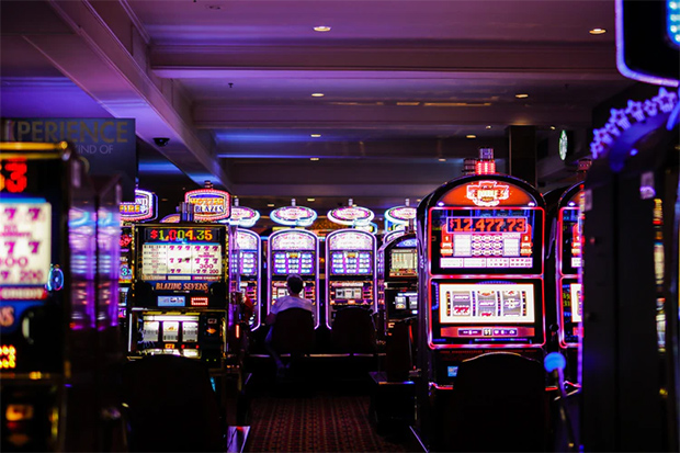 feature image 5 Photography Worthy Casino Games to Have at your Big Event One Armed Bandits or Slots - 5 Photography-Worthy Casino Games to Have at your Big Event
